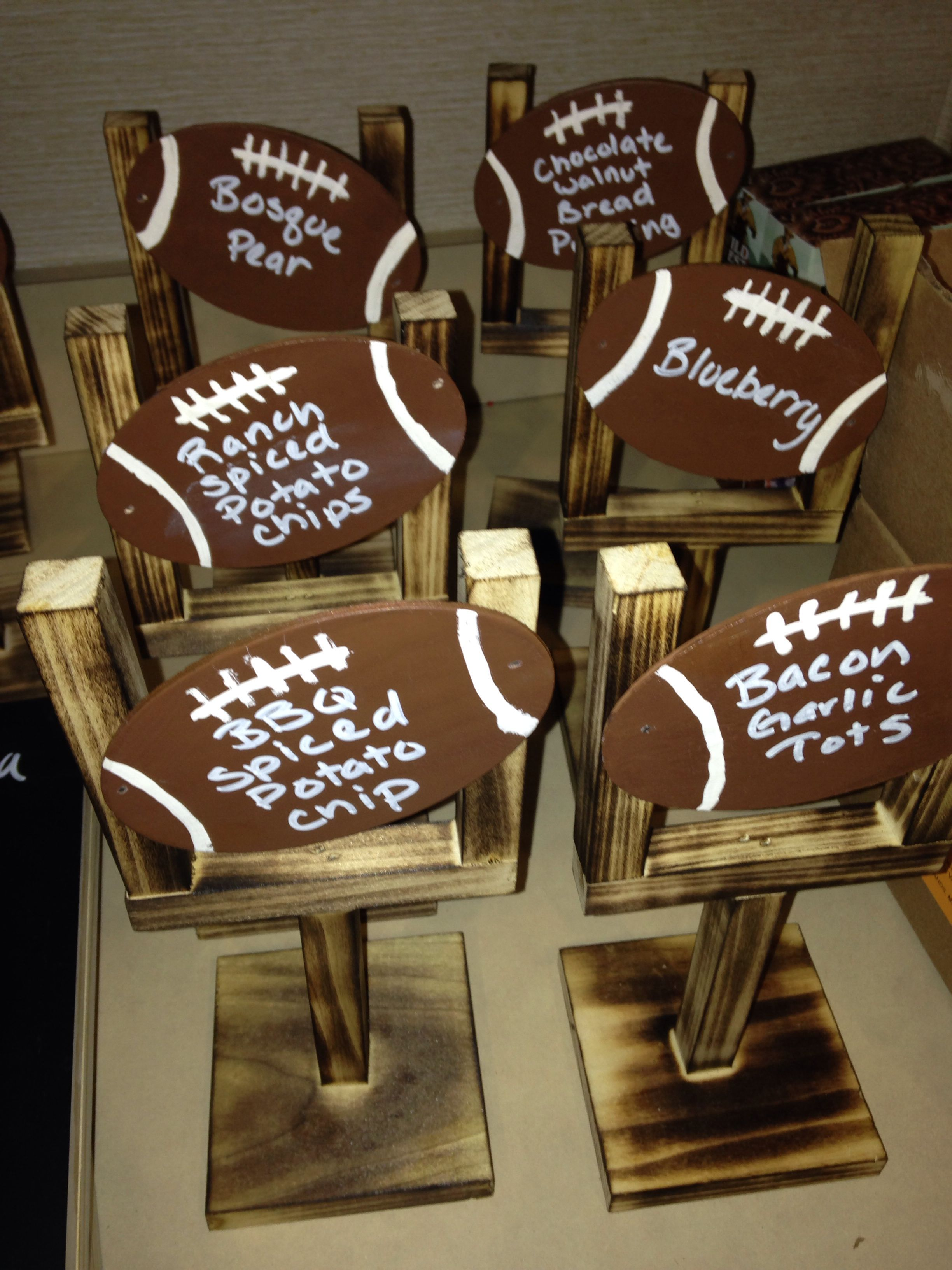 this doesn t have directions these are menu stands for a football these are menu stands for a football party it would also be a cute idea to write the players s and numbers and give as a mini trophy