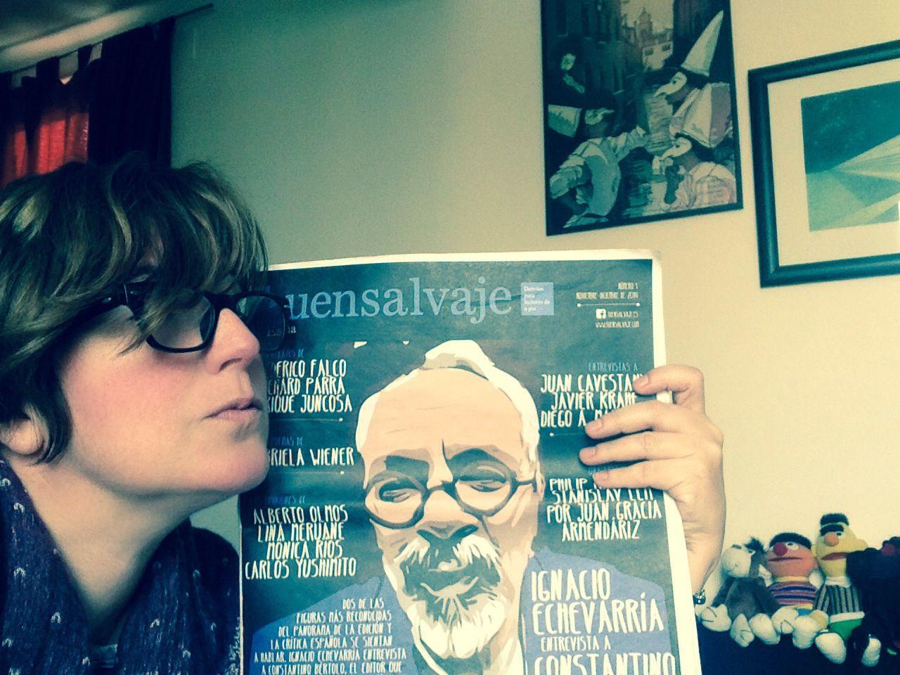 """""""Abrazada"""" al primer número de la revista Buensalvaje España que cuenta con David Villanueva (fundador de la editorial Demipage) como director de la edición española."""