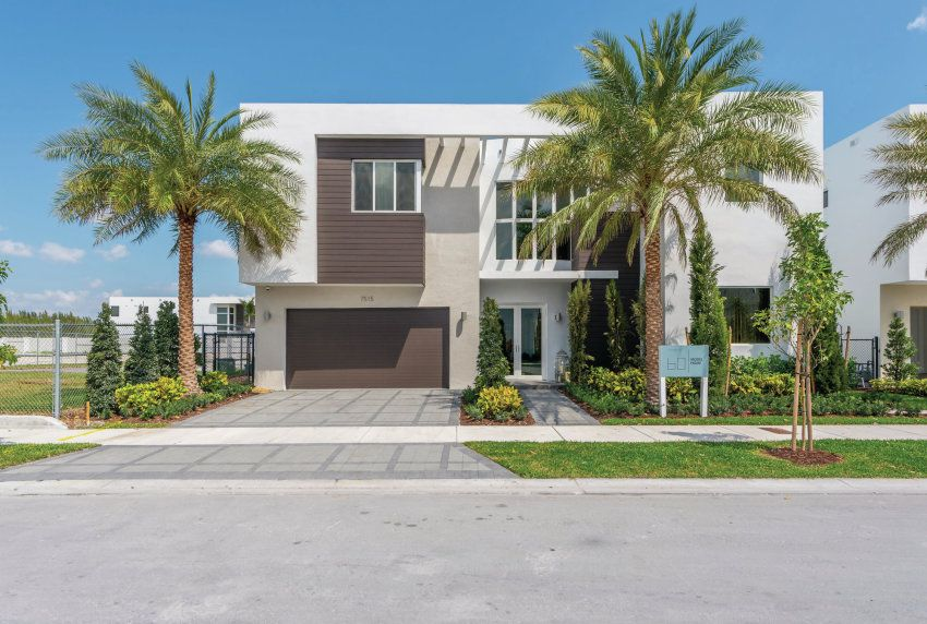 Miami Modern Style Makes A Splash With Buyers Modern Homes For Sale South Florida Real Estate Florida Home
