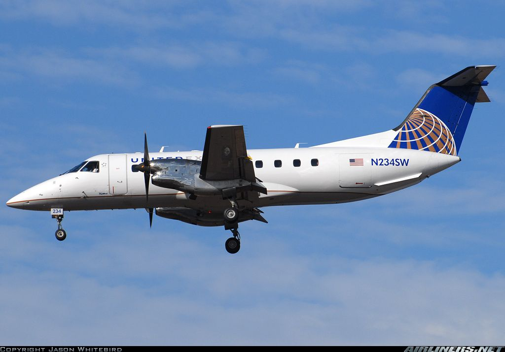 United Express (SkyWest Airlines) Embraer EMB-120ER Brasilia  Los Angeles - International (LAX / KLAX) USA - California, January 19, 2014