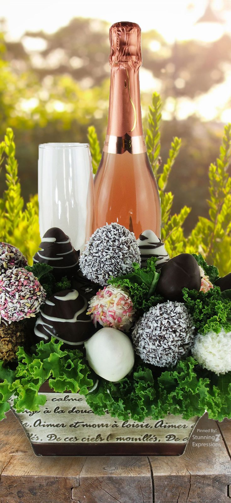 romance Champagne chocolate, Flower gift, Gift baskets