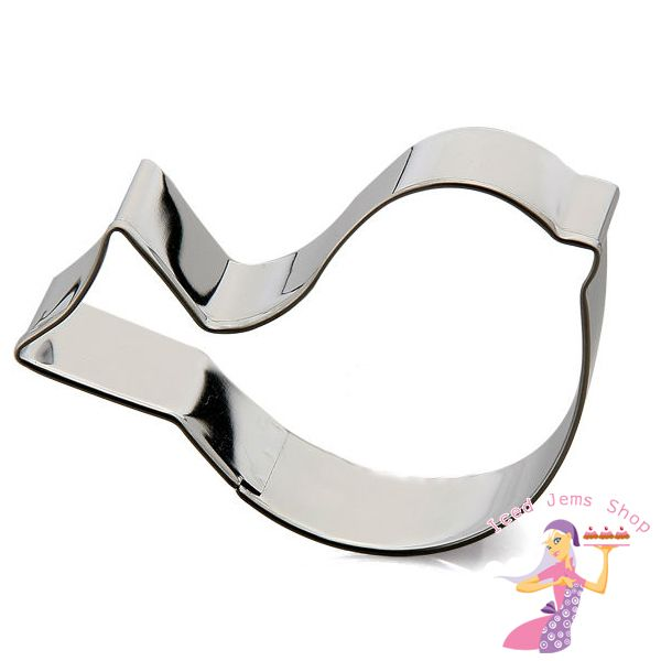 A Metal Bird Shaped Cookie Cutter, this cutter would be perfect for Cookies, Cookies Pops, or cutting out fondant decorations for cakes. Size: 7cm x 4.5cm