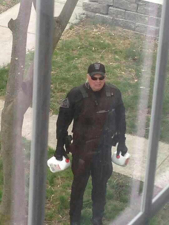 Officer bringing milk to a family with small kids during lockdown <3 Boston