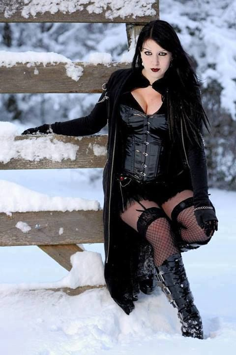 http://pinterest.com/balsagoth74/rockers-goth-and-inked-beautys/