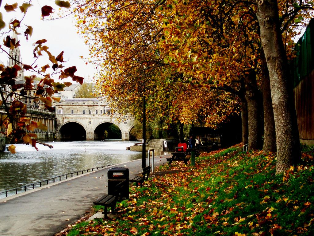Bath England In Autumn Visit For Holidays In England Great Britain
