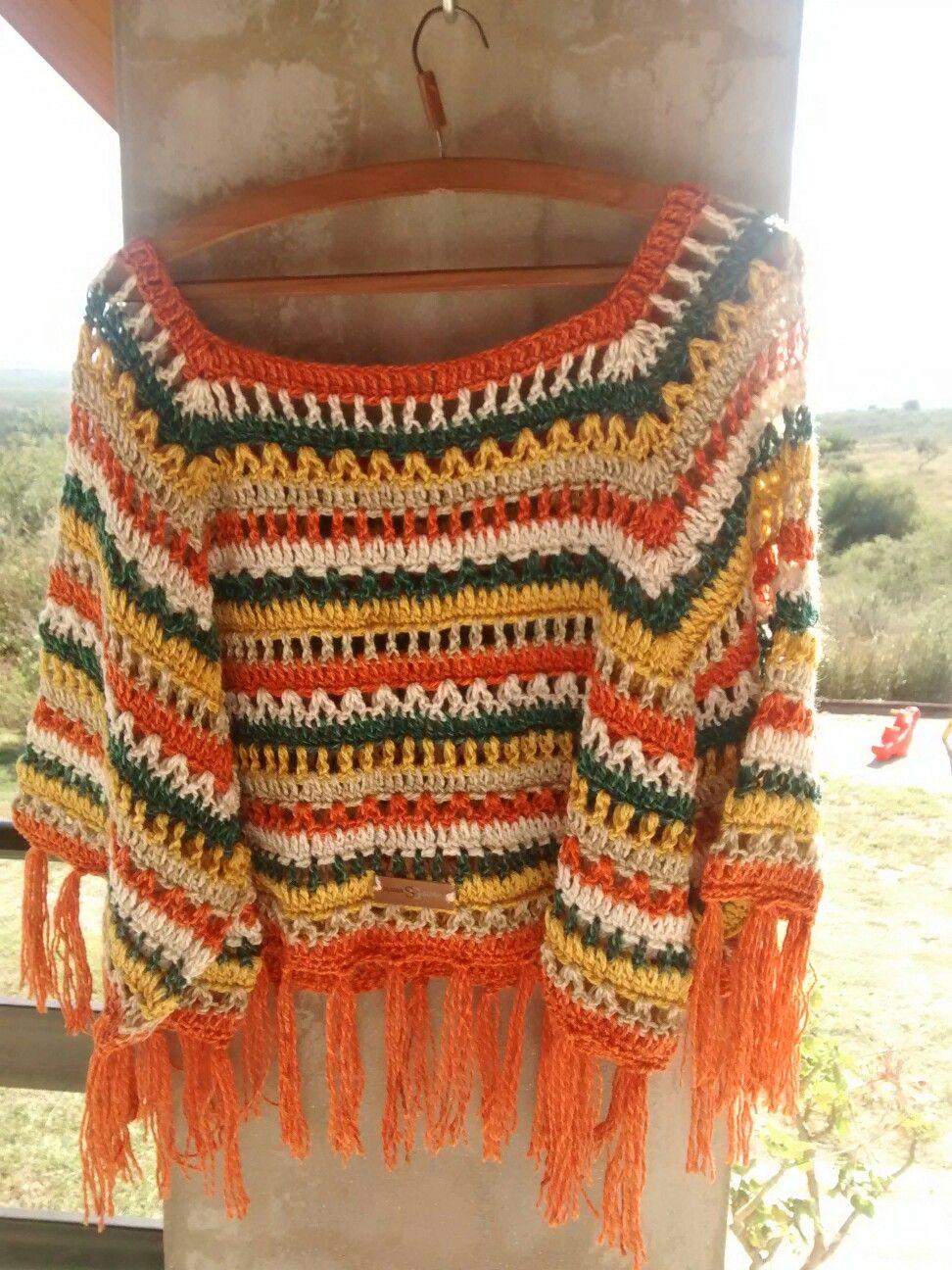 Poncho Con Mangas Tejido A Crochet X Silvana Gloria Tejidos Poncho Con Mangas Chales Tejidos Sacos Tejidos