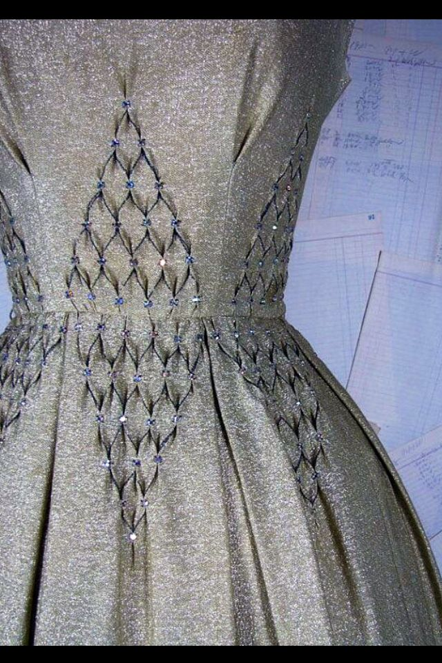 Detalhe | croieli | Pinterest | Costura, Proyectos de costura y Bordado