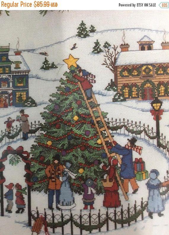 SPOOKTACULARSAVINGS Vintage, 1995, Christmas Village Tree Skirt