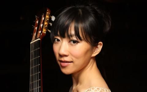 How did a small Beijing-born girl become a star in the classical guitar world?    http://radio86.com/