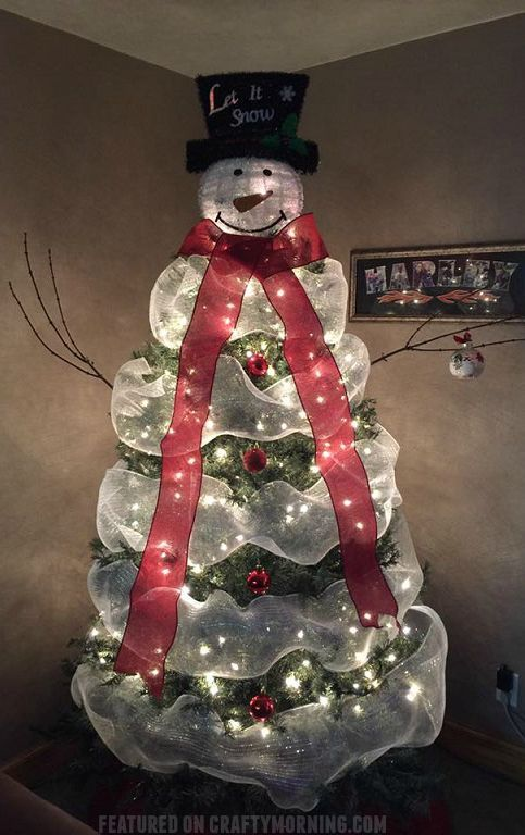 Lovely snowman christmas tree to make using mesh! #christmasideas #christmasdeco…