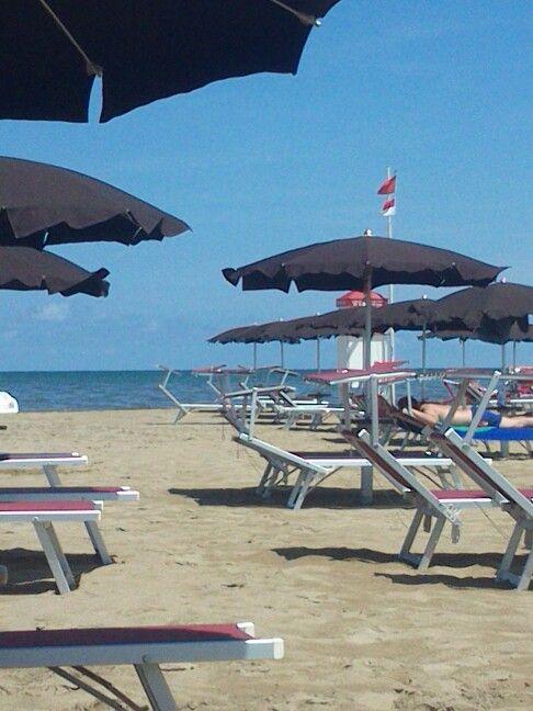 La spiaggia. RIMINI.