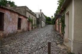 Colonia del Sacramento, su casco antiguo, el barrio histórico, fue declarado Patrimonio de la Humanidad en 1995 al ilustrar la fusión exitosa de los estilos portugués, español y post-colonial. Colonia del Sacramento, departamento de Colonia, Uruguay.