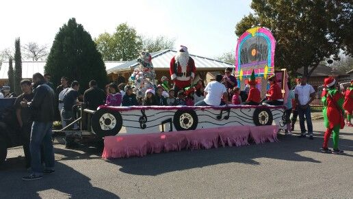 Rock And Roll Parade Float ! Blue Santa Parade 2014