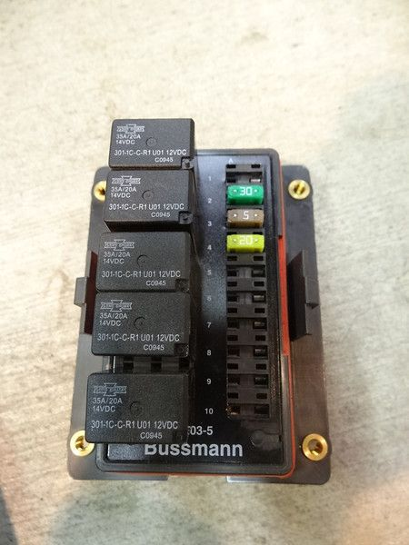 65e39c8d68c43ec3c3c2423521d89700 ultimate expedition waterproof fuse relay box bussman Mobile Auto Fuses and Relays at bayanpartner.co