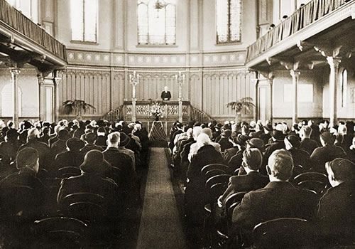1965. The last service at the Vrije Gemeente church on the Weteringschans in Amsterdam. In 1968 the building was converted into a world renowned poptemple called Paradiso. #amsterdam #1965 #Paradiso
