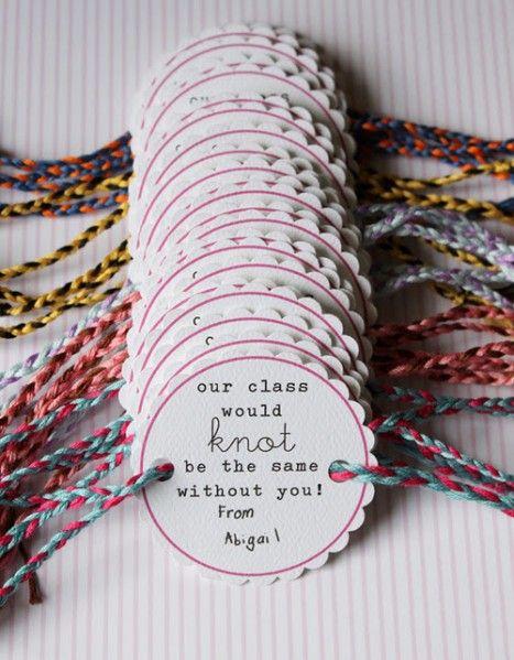 Bracelets... Como tipo para poner cuando van llegando las invitadas! Pero con Caro's Baby Shower y la fecha... o los nombres de las bebas!
