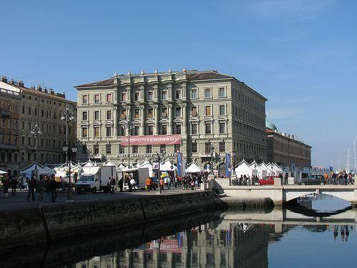 Noleggiare un'auto a Trieste Trieste è conosciuta come