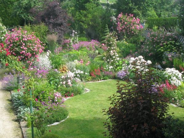 Annick Lavigne - 77144 (Vos idées jardins) JARDINS (1 - resume for landscaping