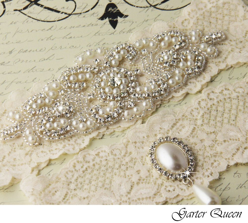 Bridal garter wedding garter set stretch lace keepsake and toss