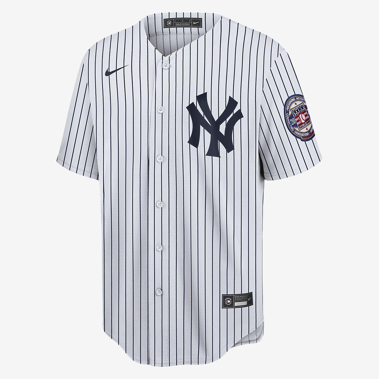 Mlb New York Yankees Derek Jeter Men S Replica Baseball Jersey Nike Com In 2020 New York Yankees Baseball Jerseys Derek Jeter