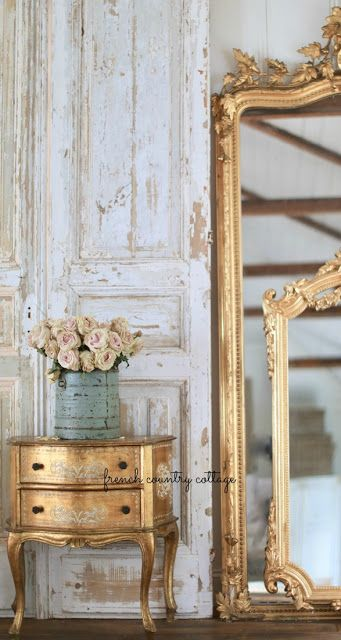 Weekend View with French vintage Inspiration from French Country Cottage. #frenchcountry #frenchvintage