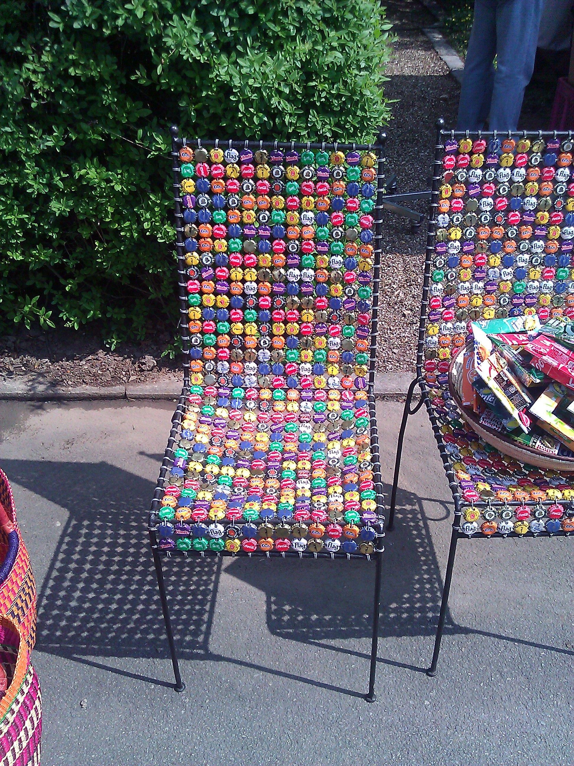 Stuhl aus kronkorken kronkorken flaschen pinterest for Stuhl upcycling