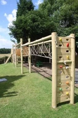 Wooden climb slide frame backyard fun pinterest for Diy jungle gym ideas
