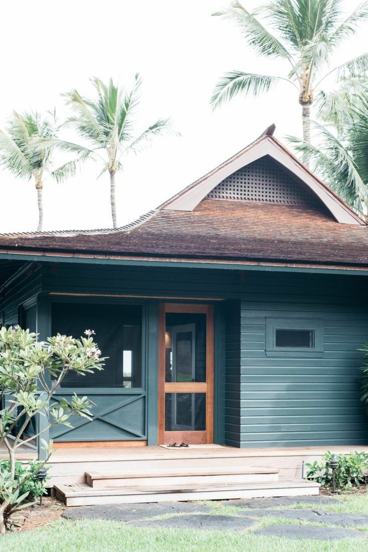 Vacation Rental Maui Beach Cottage With A Tropical Garden With
