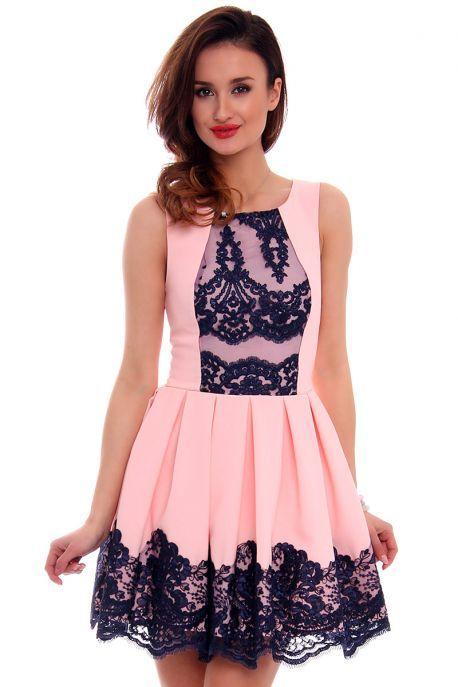2c0b6e1a18 Sukienka z zakładkami CMK471 różowa