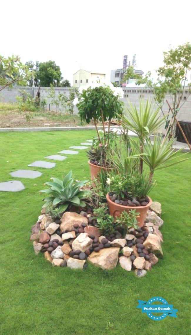 Wicked 18 besten Steingarten-Design-Ideen decoratop.co / … Wasser hat eine zusätzliche #smallfrontyardlandscapingideas