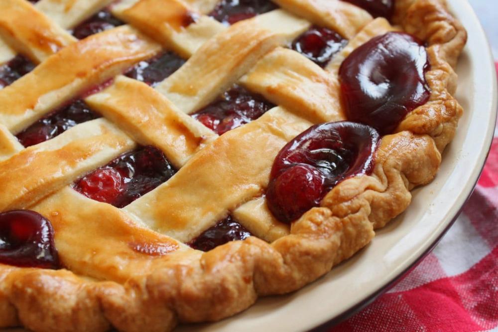 Amaretto Cherry Pie Recipe (With images) Cherry pie