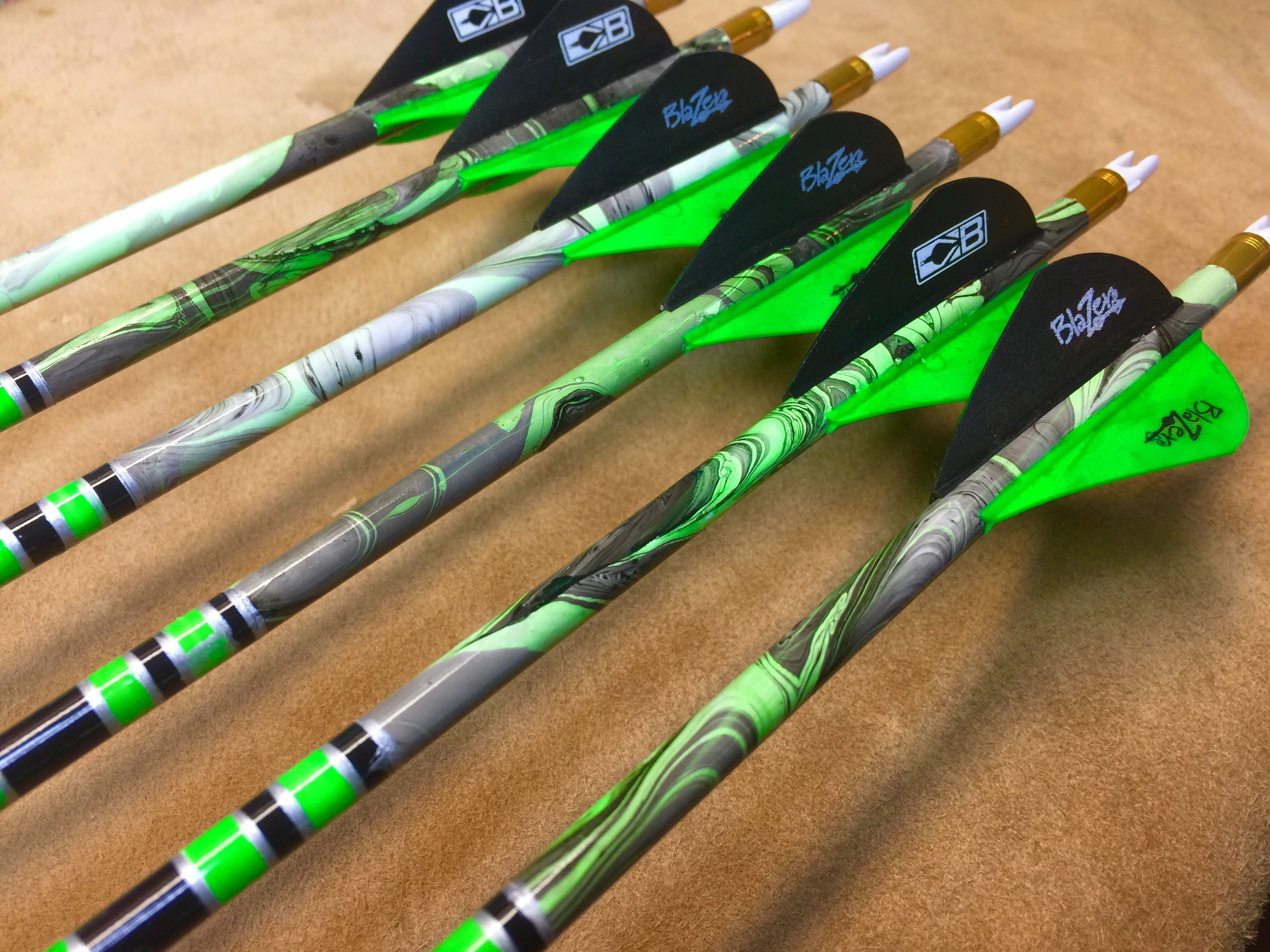 Beman ICS Bowhunter 400 Arrows With Blazer Vanes Custom Made Set of 6