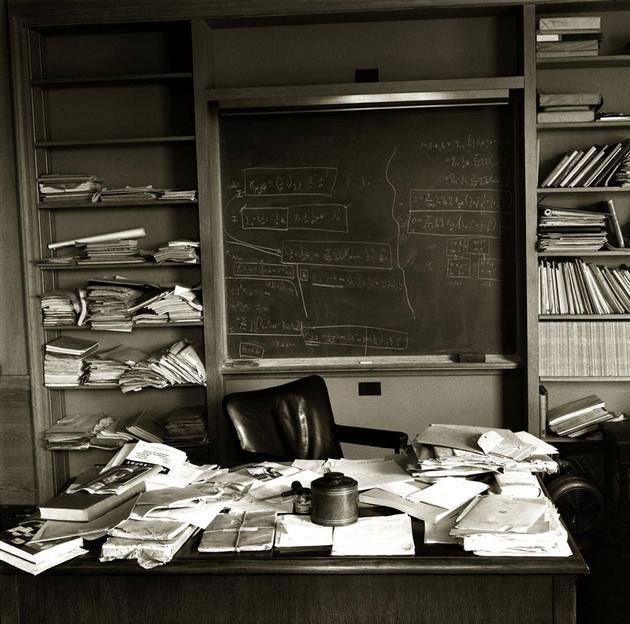 La oficina de Alberto Einstein tal y como la dejó poco antes de su muerte.