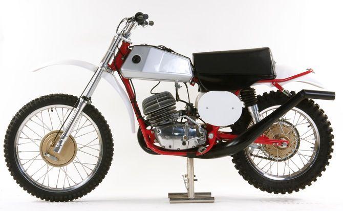 cz et jawa only le guide vert cz moto cross moto side car et deux roues. Black Bedroom Furniture Sets. Home Design Ideas