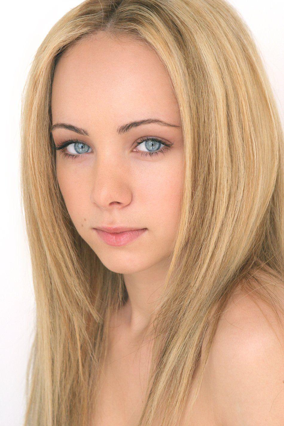 Ksenia Solo - Lost-Girl Photo  Unique Eyes I  Pinterest -7974