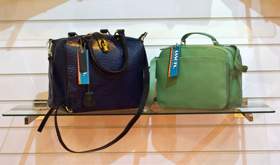 oh...what a good quality of leather handbags... http://www.assots.com