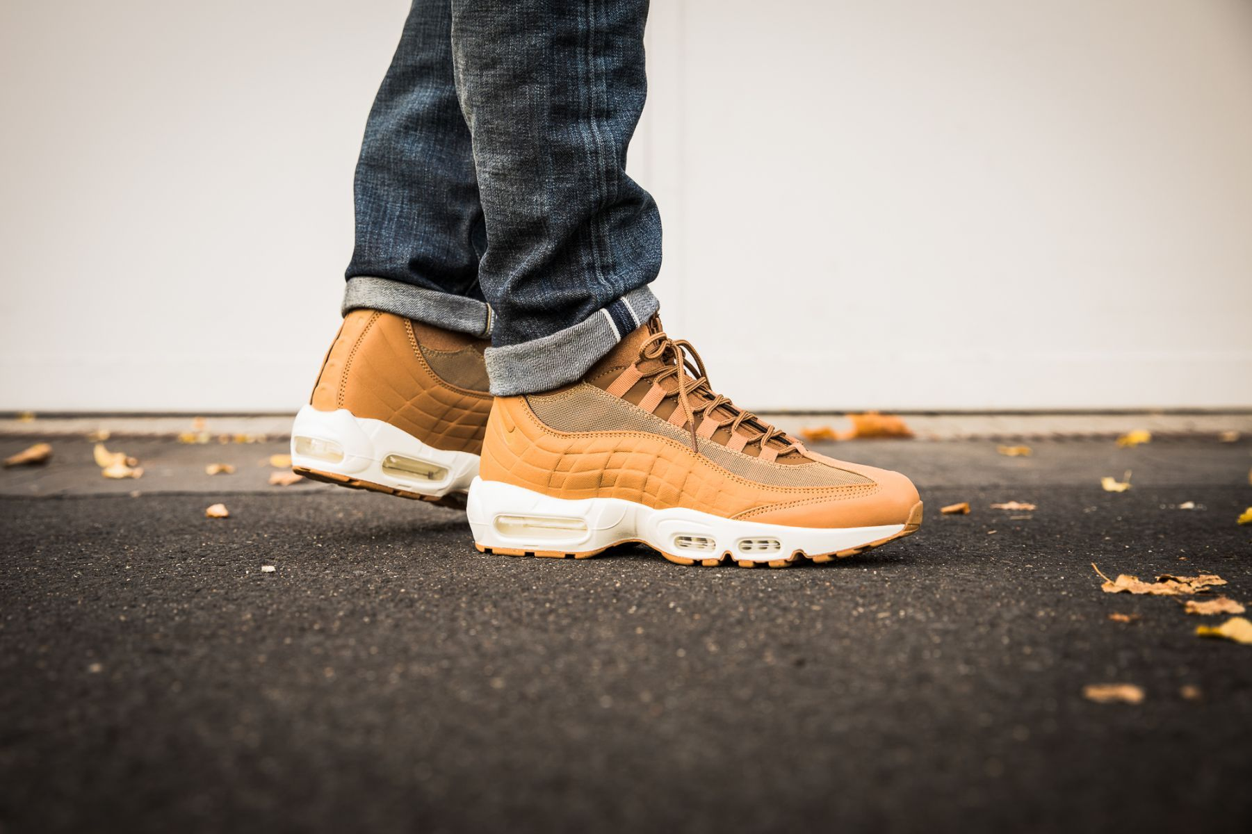 reputable site 7469c 29e09 Nike Air Max 95 Sneakerboot Wheat Pack - 806809-201   43einhalb sneaker  store