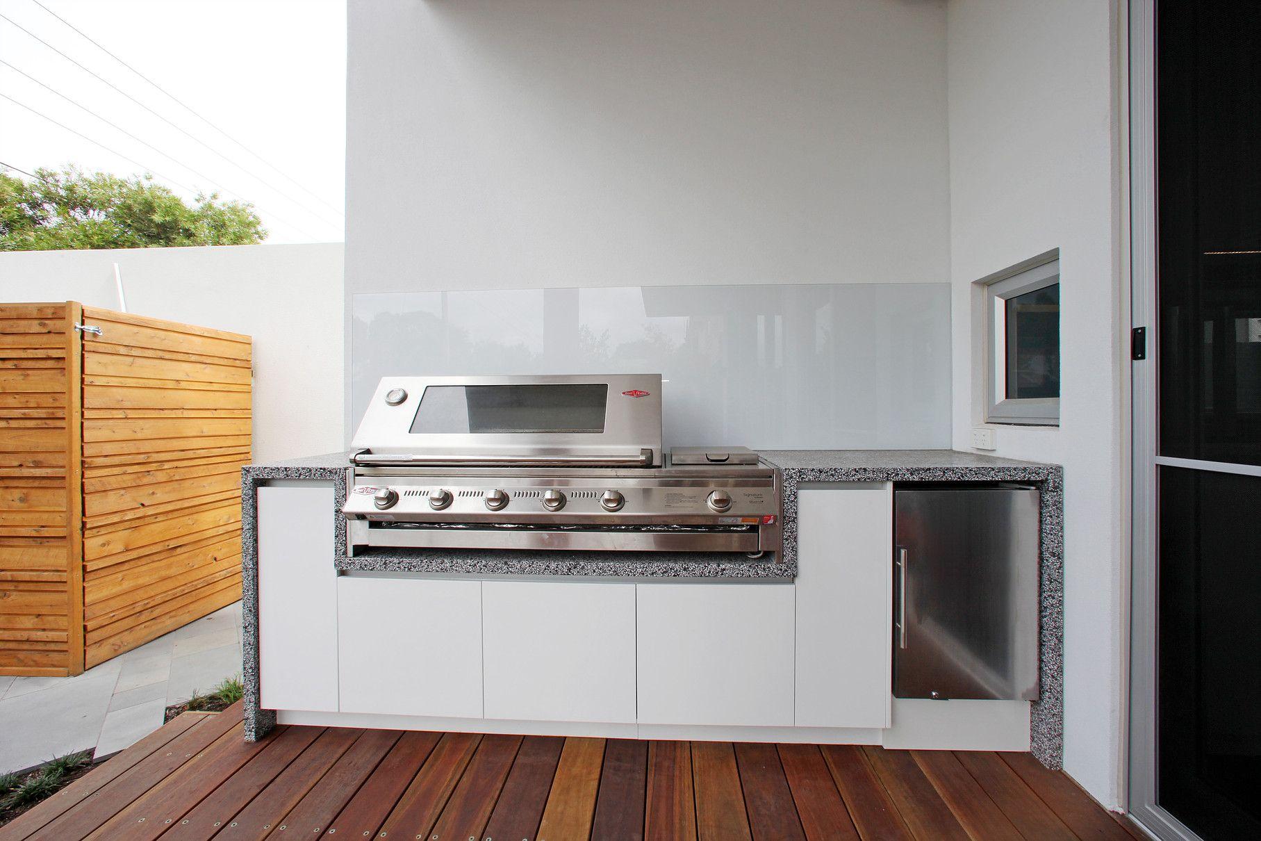 Melbourne Custom Outdoor Kitchen BBQ