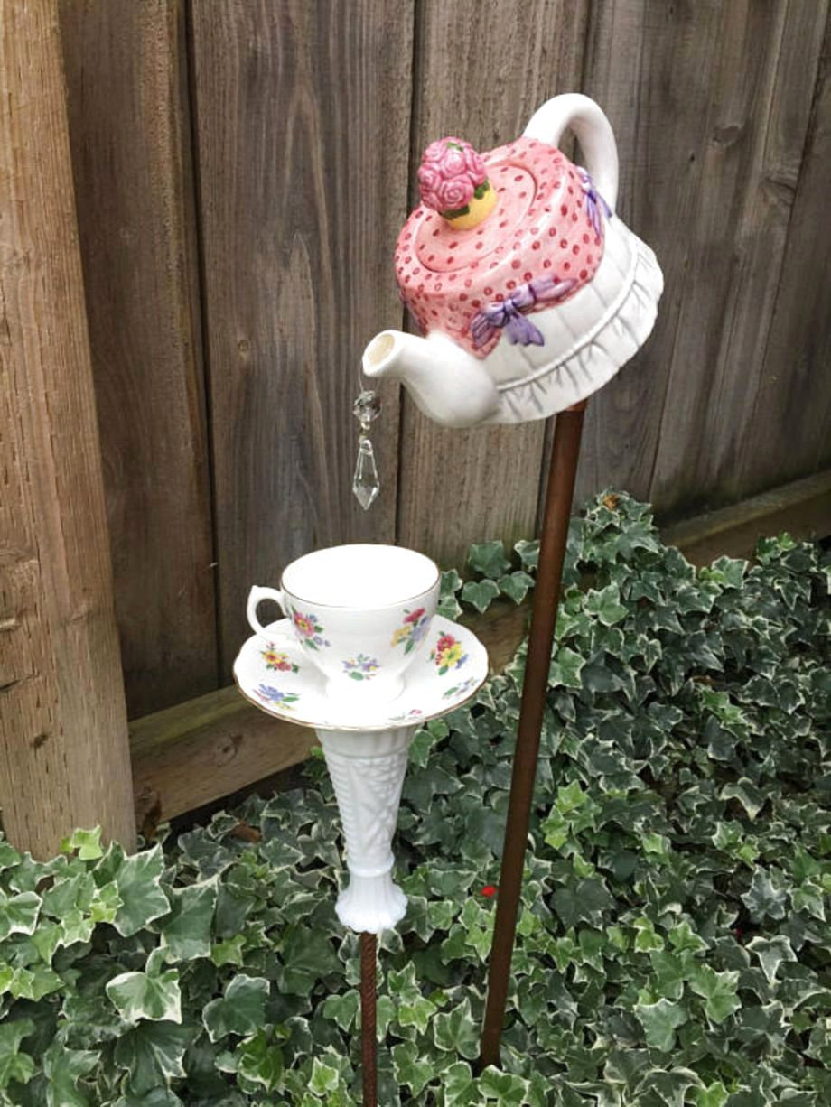 ✔46 Favourite Garden Art Design For Kids Ideas | Garden crafts, Glass garden art, Garden art