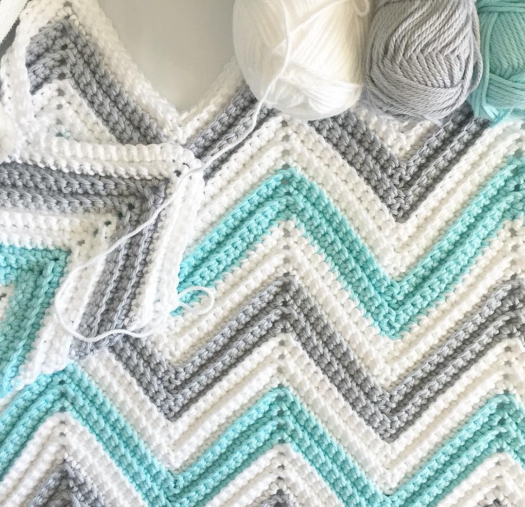 I have written out the free pattern to this blanket on my blog. It\'s ...