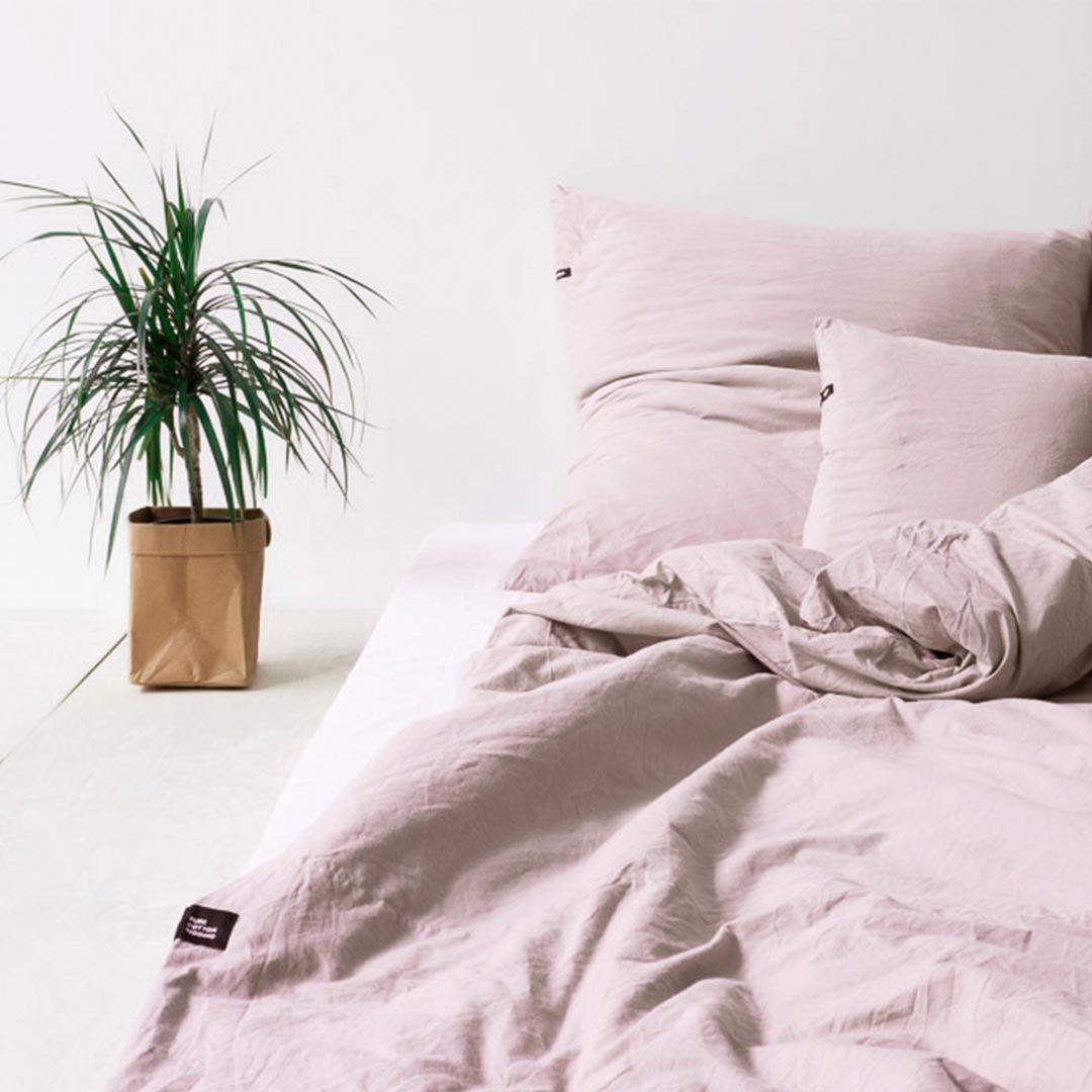 Minimalistische Bettwasche In Altrosa Aus Dicker Hochwertiger Baumwolle Schlichtes Design Extrem Gemutlich Pink Bedding Dusty Pink Bedding Bed