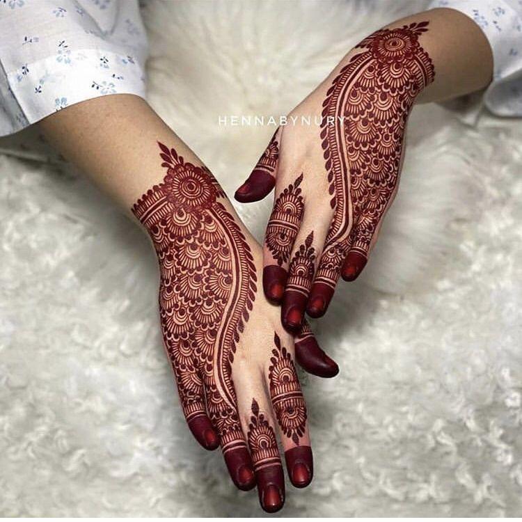 Henna by Nury | bridal henna ideas | mehendi designs in trend | minimal mehendi designs | #wittyvows #bridesofwittyvows #indianbride #mehendi #henna #hennatattoo #hennadesigns #hennatattoo #hennapatterns #hennadesignseasy #hennamehndi #mehendiart #mehendidesigns #mehendidesignsforhands #potd #trending