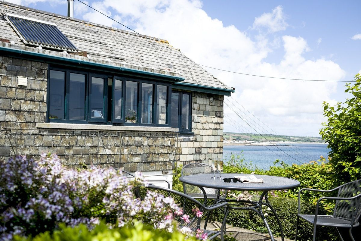 Artist s retreat cornish holiday home with spectacular