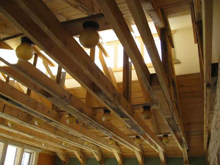 Exposed trusses ceiling google search exposed roof for Clerestory roof truss design