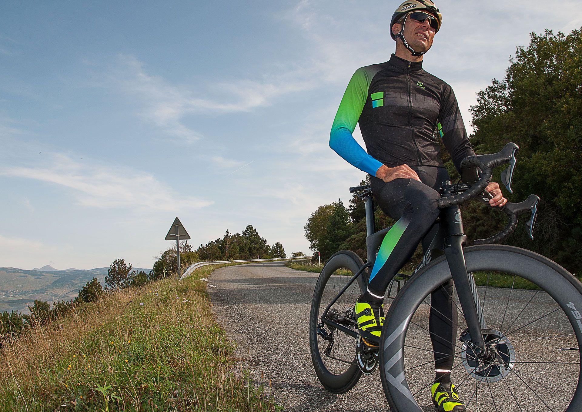 Inverse Lanza De Nuevo Una Nueva Oferta Irresistible De Ropa Personalizada Para Practicar El Ciclismo Durante Las épocas De Frío C Ciclismo Mangas Largas Ropa