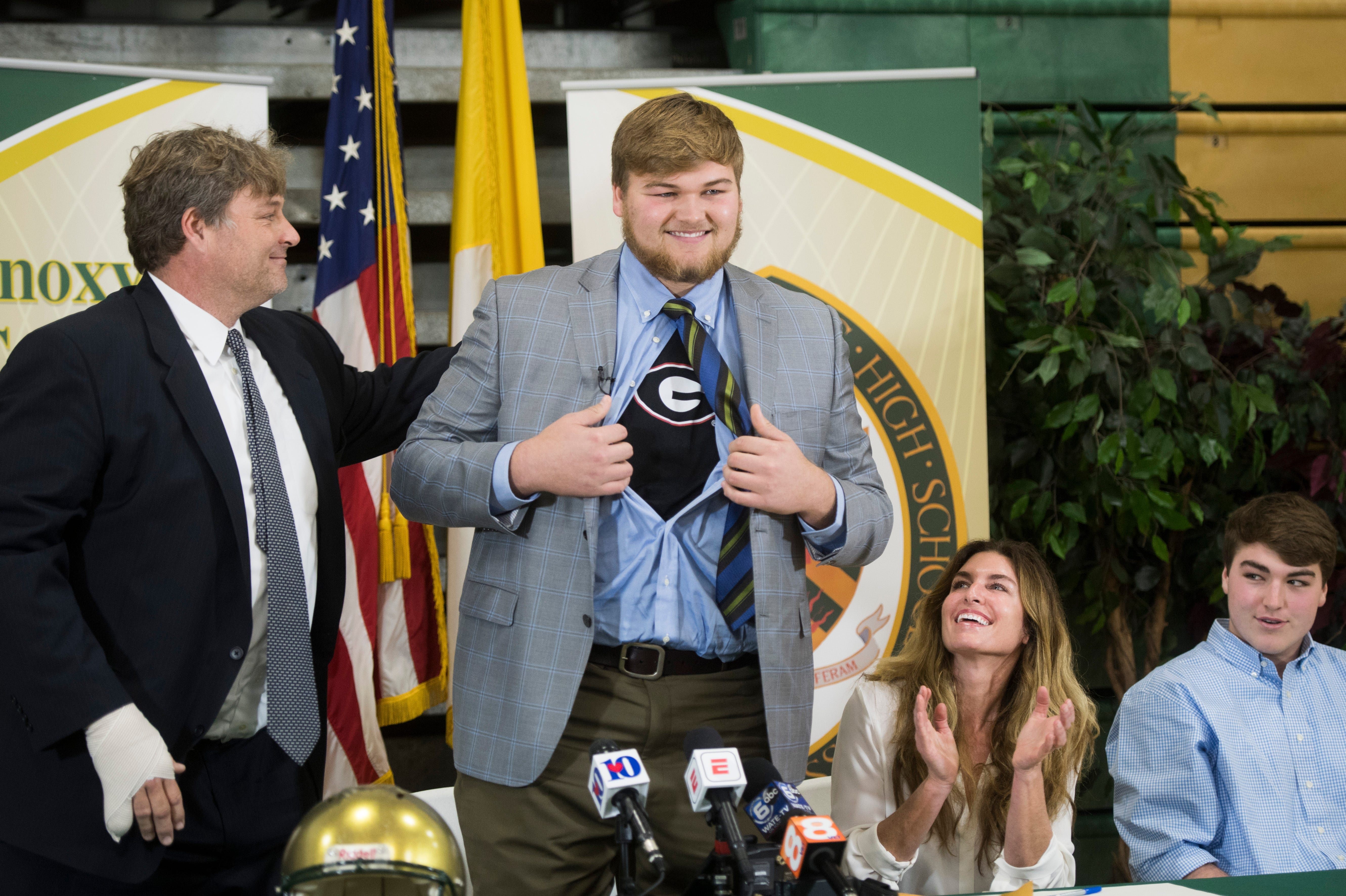 Cade Mays' father is suing saying his pinkie was