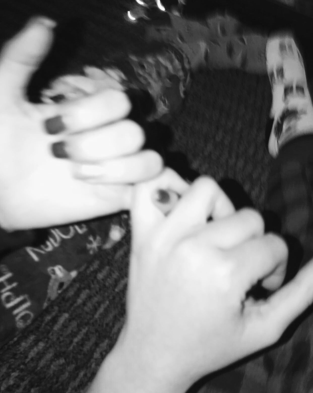 Ayyeshay Aesthetic Black White Holdinghands Hands Cute Couplegoals Black And White Picture Wall White Aesthetic Photography Black Aesthetic Wallpaper