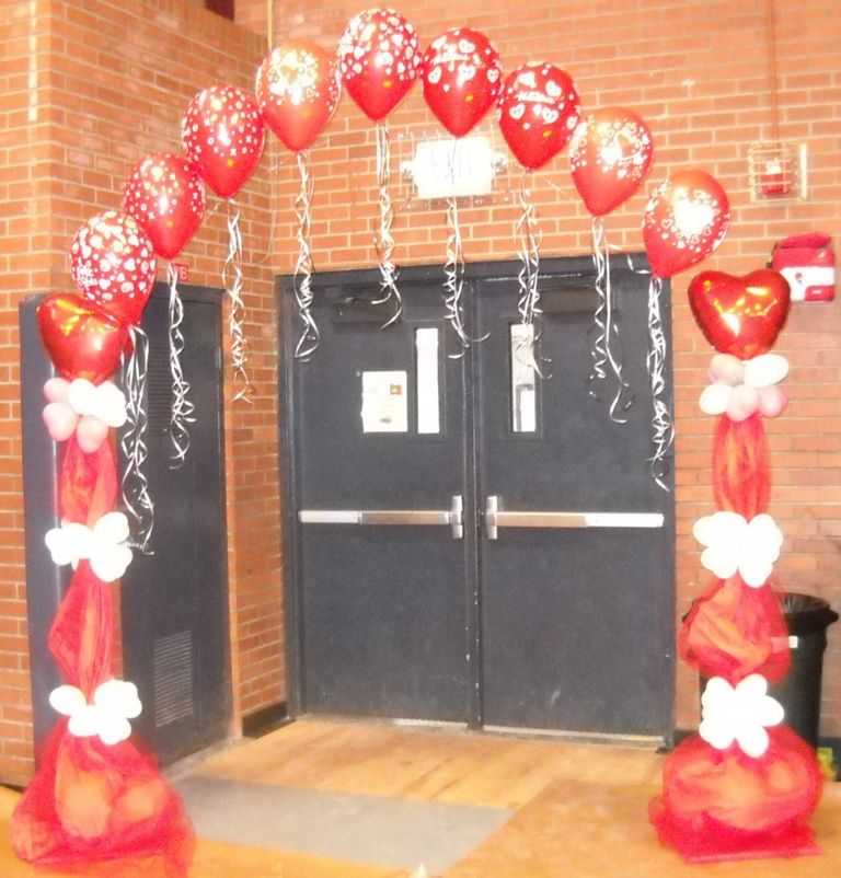 Entryway Arch For A Valentine Party Or