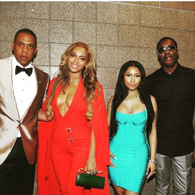 Beyoncé & Jay With Nicki Minaj & Meek Mill At The Welterweight Unification Championship Bout 02.05.2015