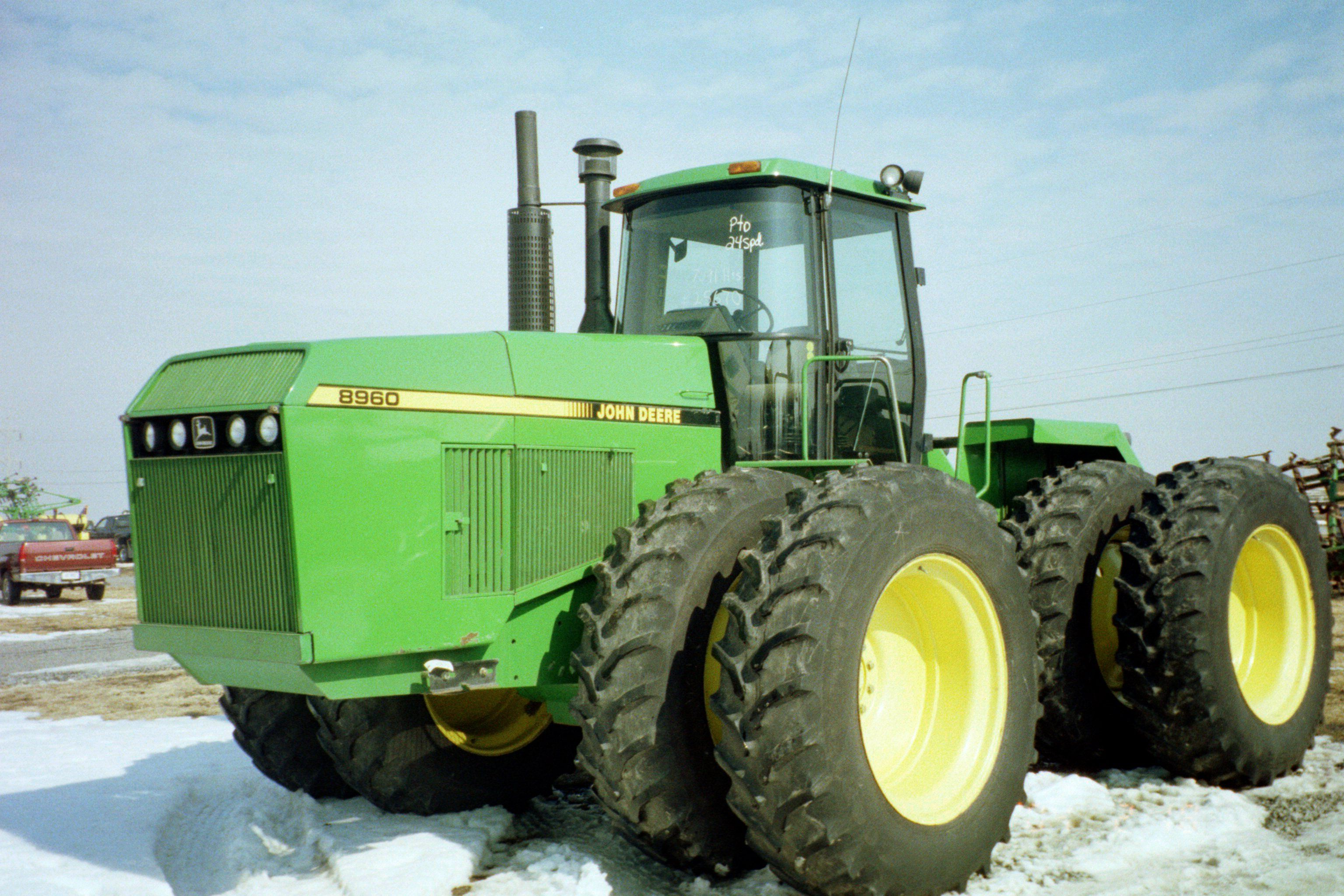 John Deere 8960 tractor test vs 9370R tractor test 8960 333